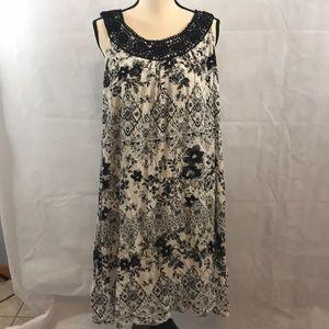 NWOT Women's black & white long dress